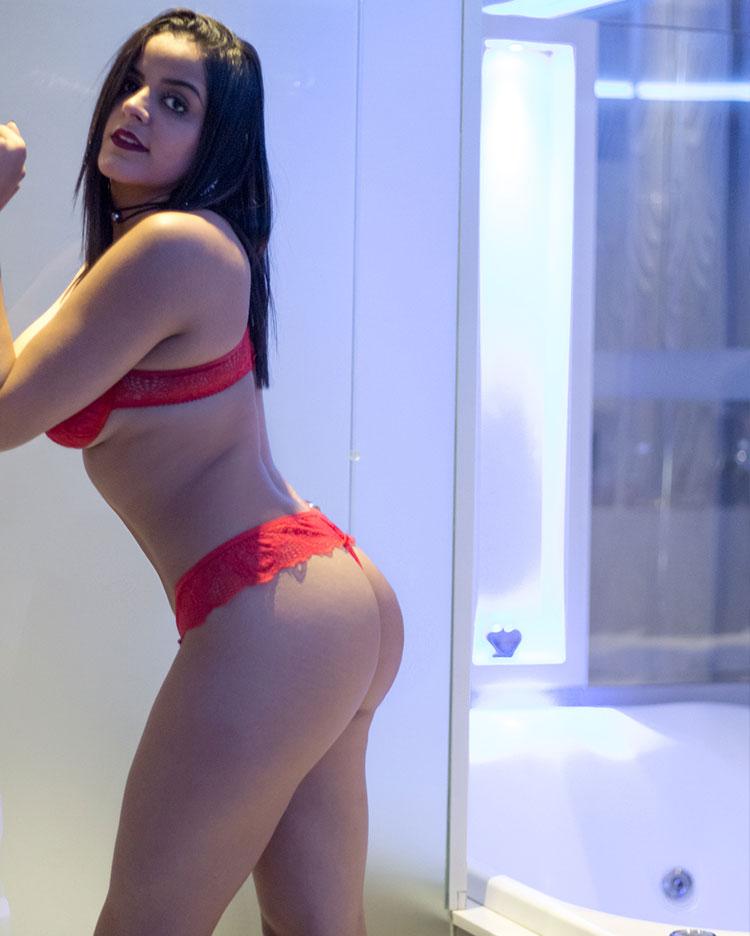 skinny asian girl piss
